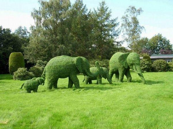 Формоване дървесина под формата на слонове фигури