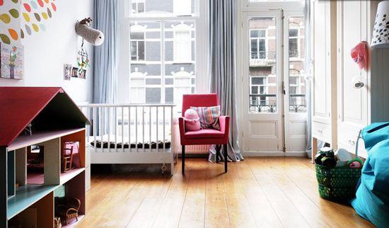 Дизайн на детска стая с балконна снимка