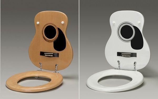 тоалетна чиния под формата на китара1