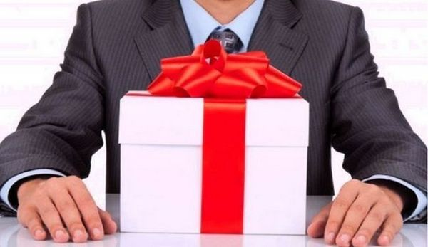 Избор на подаръци за колеги