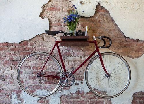 Съхранение на велосипеди в снимката на апартамента