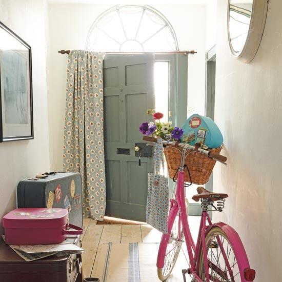 Съхранение на велосипеди в коридора
