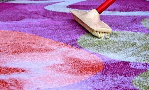 Как да почистите килим у дома с тънкостите и тайните