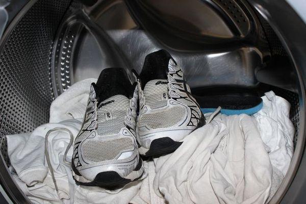 Как да се пера спортни маратонки в пералня?