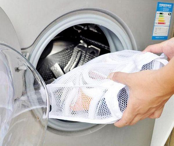Повечето експерти съветват да извършват всички операции за измиване на обувки само през деня