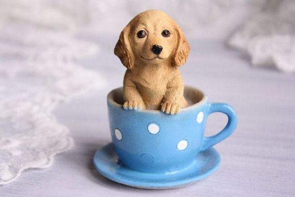 Сувенирът под формата на жълто куче