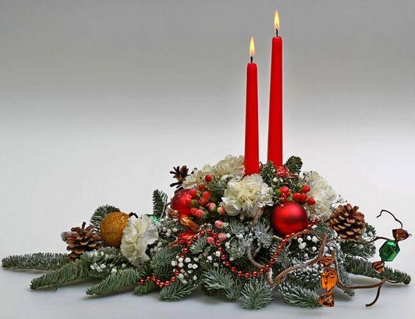 Коледа Икебана, изработена от борови игли