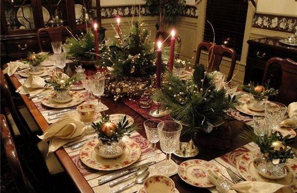 Коледни ikebans на масата