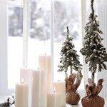 Снимка 13: Свещи на прозореца на Нова година