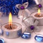 Снимка 13: Свещи - една от основните декорации на масата на Нова година