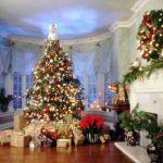 Снимка 44: Новогодишна украса на голяма всекидневна