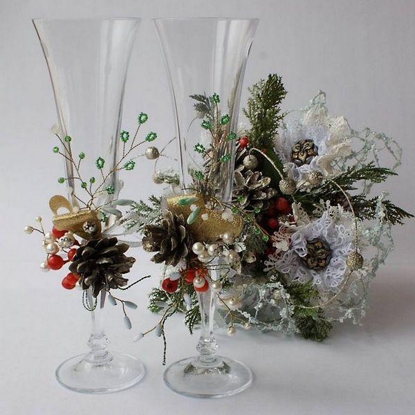 Коледна украса на вино очила