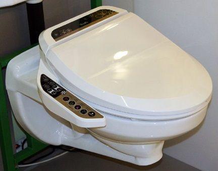 Тоалетна чиния, контролирана с дистанционно управление