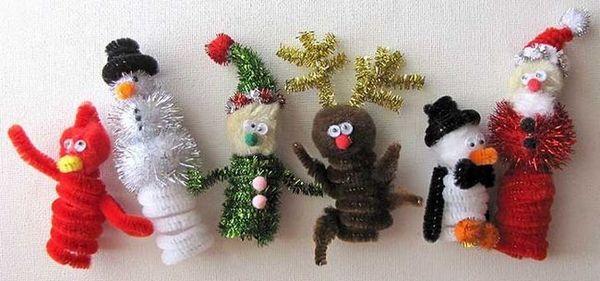 Новогодишните играчки в шенилна тел