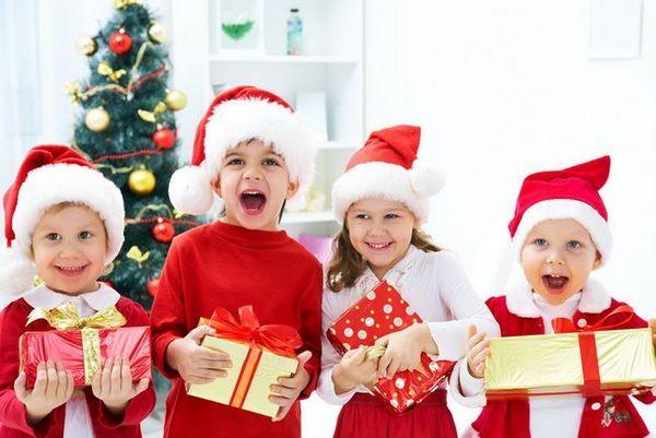 Новогодишни подаръци за деца