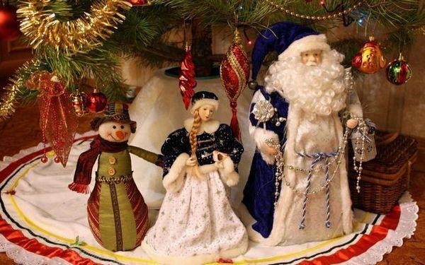 Фигури на Дядо Коледа и Снежна девица за коледно дърво