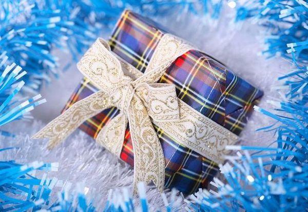 Ефективно опаковане на подарък за Нова година