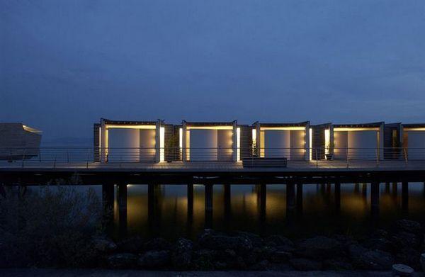 Хотел на водата в Швейцария