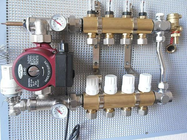Схема за включване на смесителната единица за топъл под