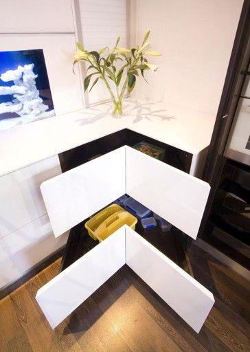Използването на ергономични системи за съхранение прави кухнята просторна и удобна