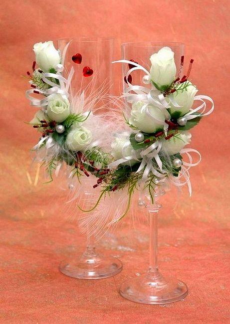 Сватбени чаши Декорация на цветя