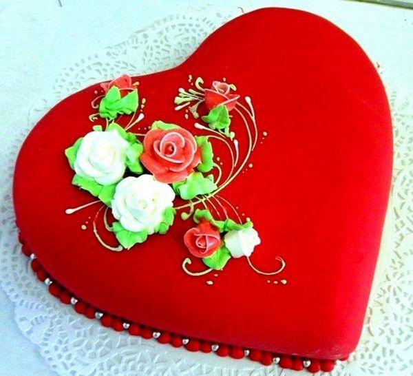 Торта за деня на любовниците със собствените си ръце