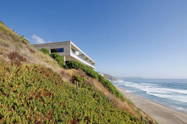 Уединено имение къща paravicini на брега на Чили