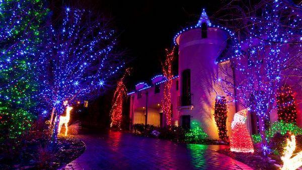 Декориране на къщата с LED гирлянди