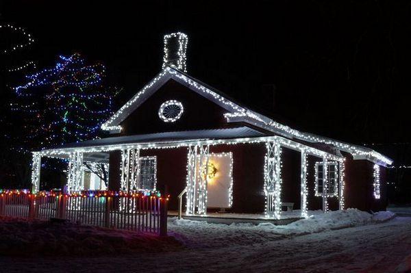 Външни LED гирлянди за дома