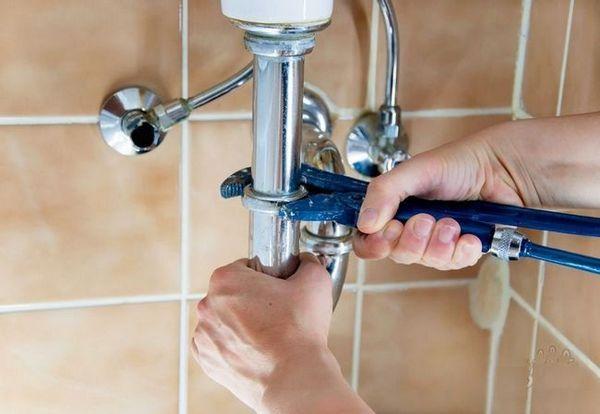 Отстраняване на неприятен мирис от канализационната система