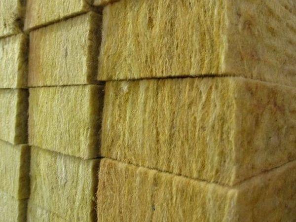 Използване на минерална вата за изолация на рамкова къща (2)