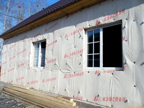 Затопляне на стените на рамката къща отвън