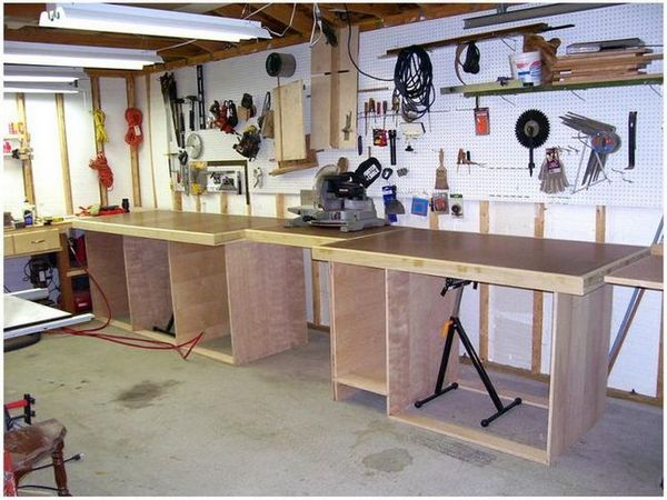 Работна маса в гаража със собствените си ръце
