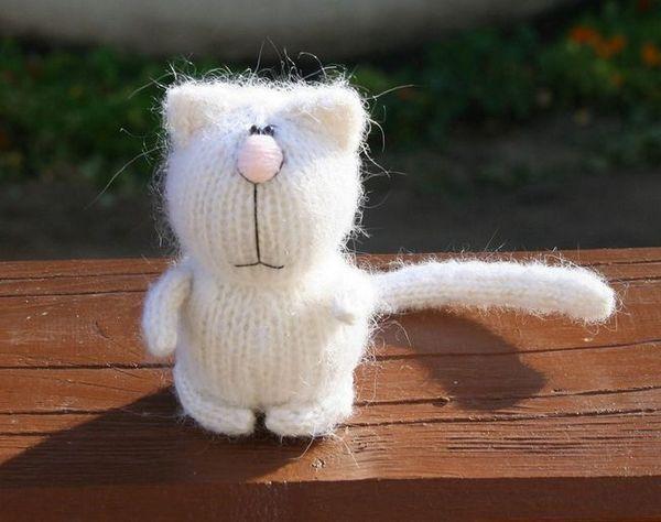 Плетене на играчки с игли за плетене
