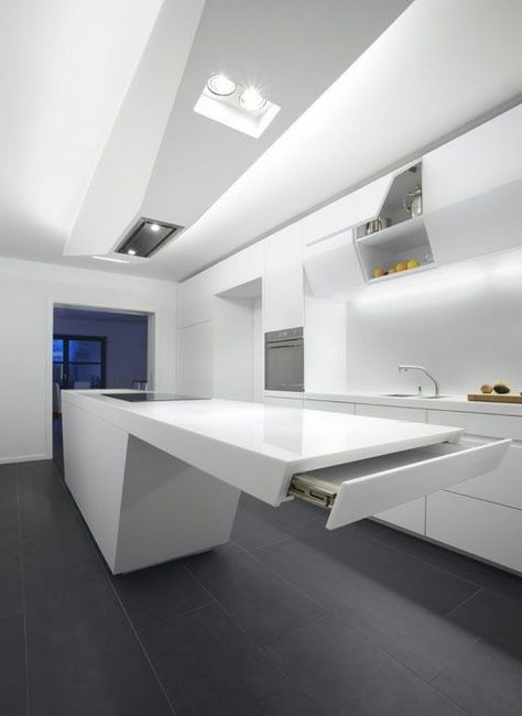 Футуристична вградена кухня, хай-тек
