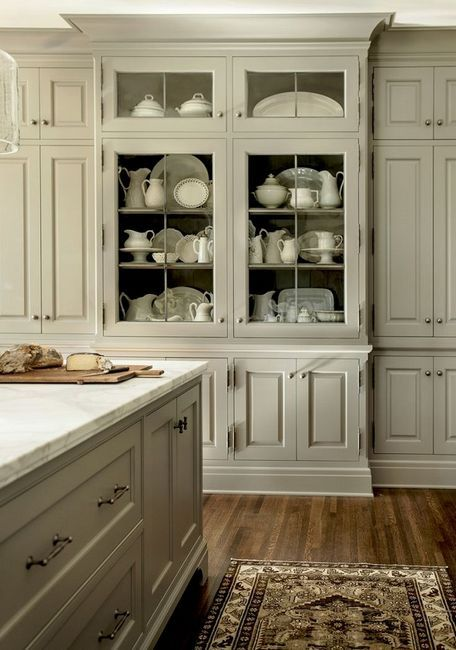 Класическа вградена кухня