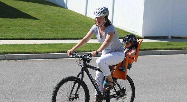Избор на бебешка седалка на велосипед