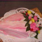 Снимка 33: Торта под формата на букет от 8 март