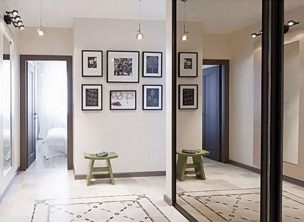 Купете огледало в коридора