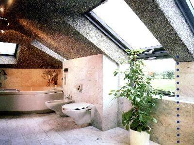 течен тапет в банята